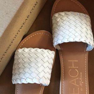 Brand New leather Matisse slide sandals